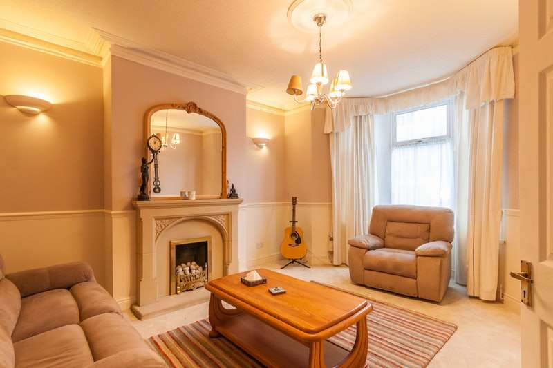 6 Bedrooms Terraced House for sale in Porthkerry Road, Barry, Glamorgan, CF62