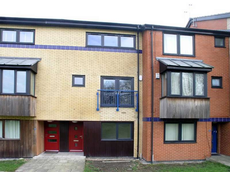 4 Bedrooms Town House for sale in Abbey Way, Hull
