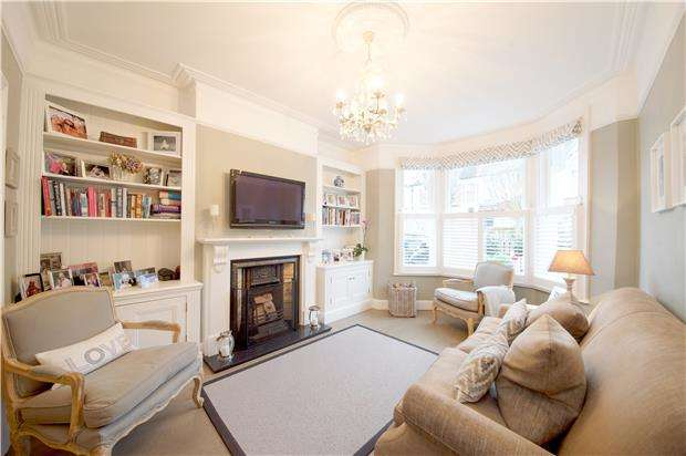 5 Bedrooms Terraced House for sale in Astonville Street, LONDON, SW18 5AG