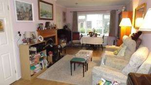 3 Bedrooms Terraced House for sale in Beech Holme, Crawley Down, West Sussex