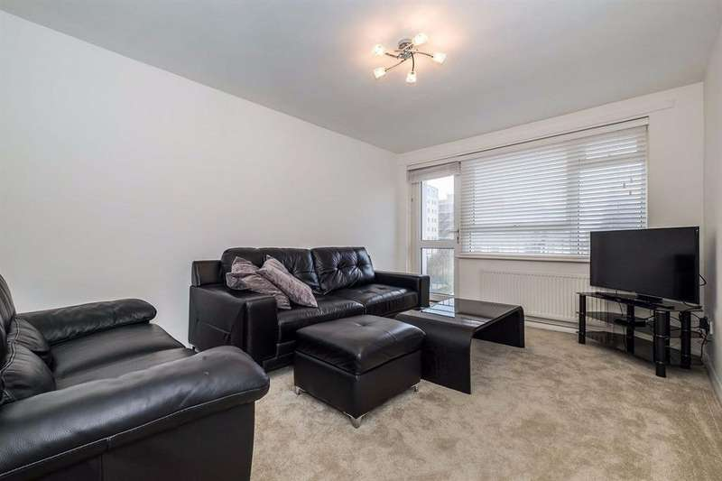 2 Bedrooms Flat for sale in Walsingham Road Hove East Sussex BN3