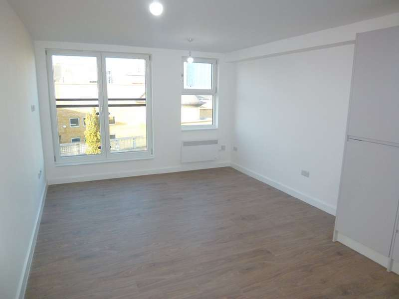 2 Bedrooms Apartment Flat for sale in Basingstoke, Hampshire RG21