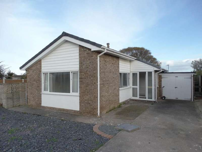 2 Bedrooms Detached Bungalow for sale in 13 Coed Y Mor, Penrhyn Bay, LL30 3NS