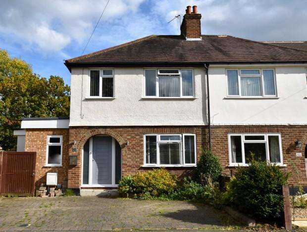 3 Bedrooms Semi Detached House for sale in Oakhill Close, Ashtead, KT21