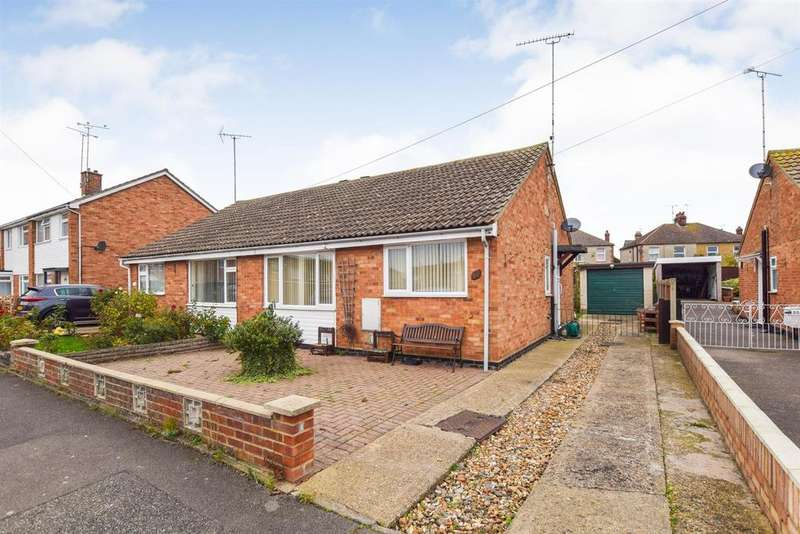 2 Bedrooms Bungalow for sale in Longfellow Road, Maldon