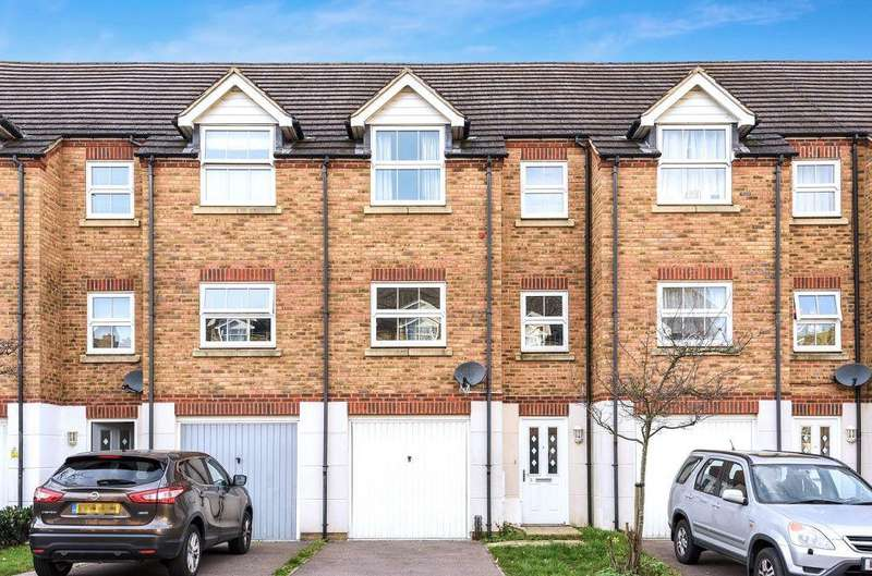 4 Bedrooms Town House for sale in Lynley Close, Maidstone, Kent, ME15 9GD