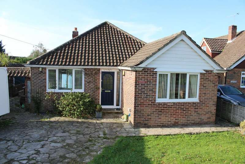 3 Bedrooms Detached Bungalow for sale in HAMBLEDON ROAD, DENMEAD