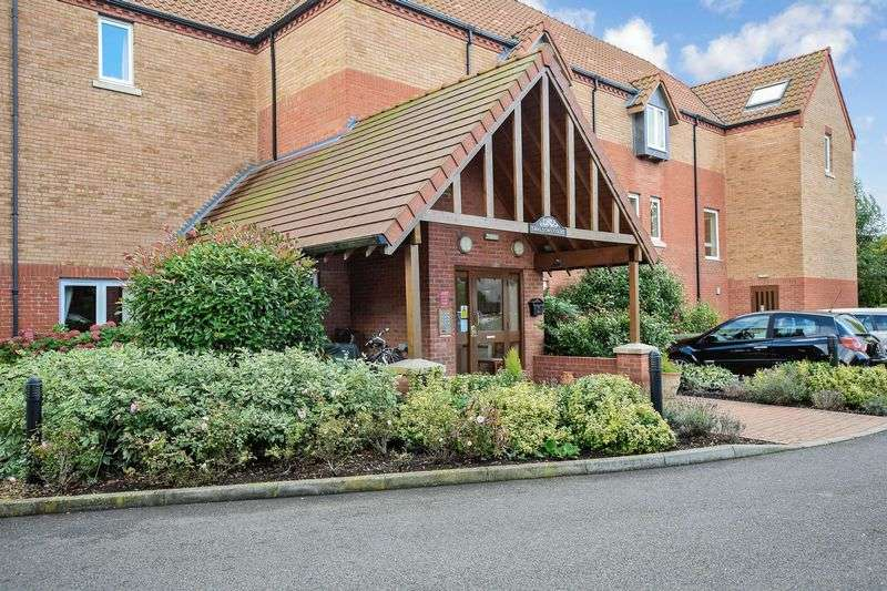 2 Bedrooms Property for sale in Swallows Court, Spalding, PE11 1GZ