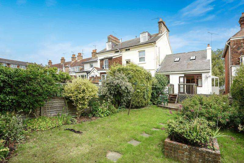 2 Bedrooms Apartment Flat for sale in High Street, Hurstpierpoint, West Sussex,