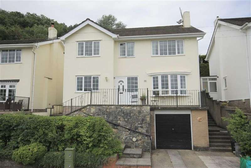 4 Bedrooms Detached House for sale in Geraints Way, Cowbridge, Vale Of Glamorgan