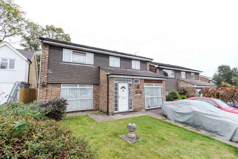4 Bedrooms House for sale in Sheredes Drive, Hoddesdon, EN11