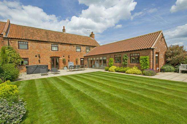 4 Bedrooms Barn Conversion Character Property for sale in Flaggs Farm Barn, Caunton Road, Norwell, Nottinghamshire NG23 6LB