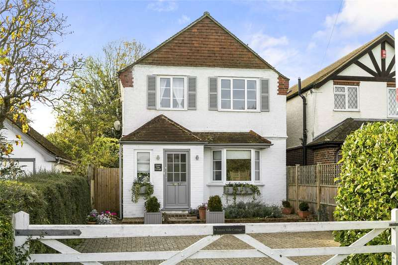 3 Bedrooms Detached House for sale in Downside Common Road, Downside, Cobham, Surrey, KT11