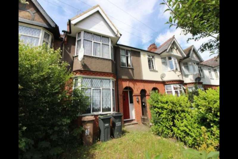 3 Bedrooms Property for sale in Old Bedford Road, Luton, LU2