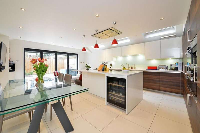 5 Bedrooms Terraced House for sale in Bowood Road, Battersea