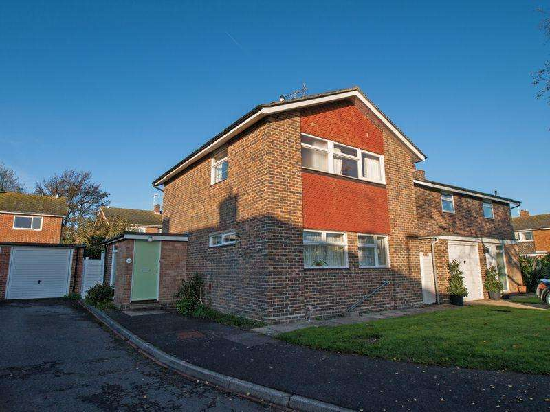 3 Bedrooms Detached House for sale in Felpham, West Sussex