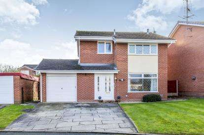 3 Bedrooms Detached House for sale in Farndale Close, Crewe, Cheshire