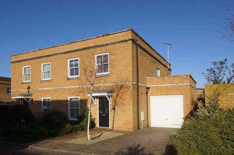 4 Bedrooms Semi Detached House for sale in Ashes Road, Shoeburyness, * Historical Garrison *