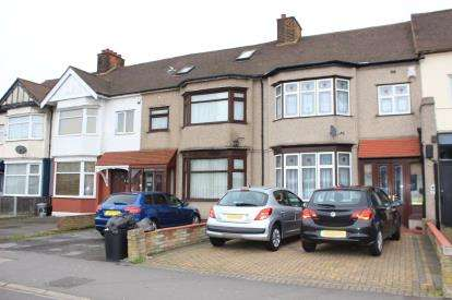 3 Bedrooms Terraced House for sale in Gants Hill, Ilford, Essex