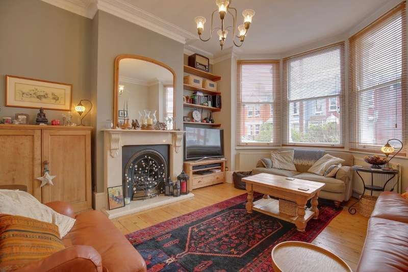 5 Bedrooms Semi Detached House for sale in Broadwater Road, London, N17 6EP