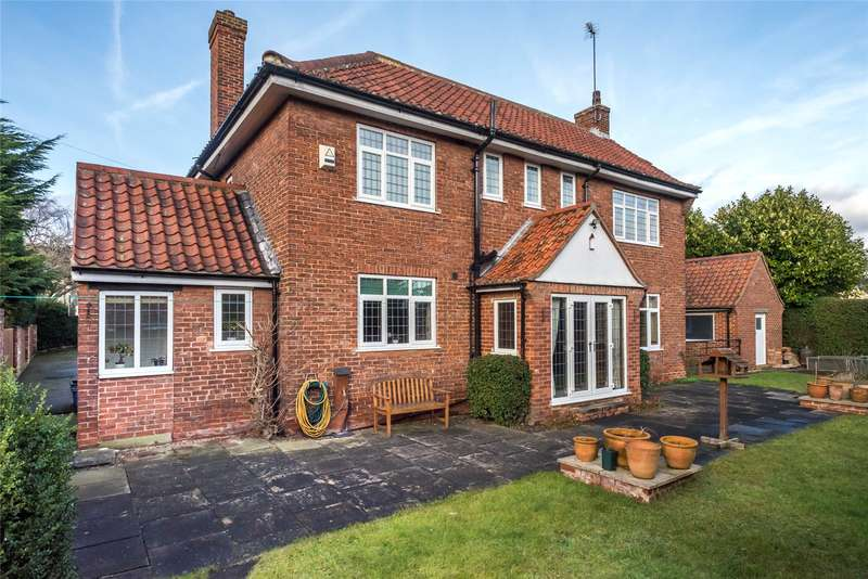 5 Bedrooms Detached House for sale in Station Road, Tadcaster, LS24