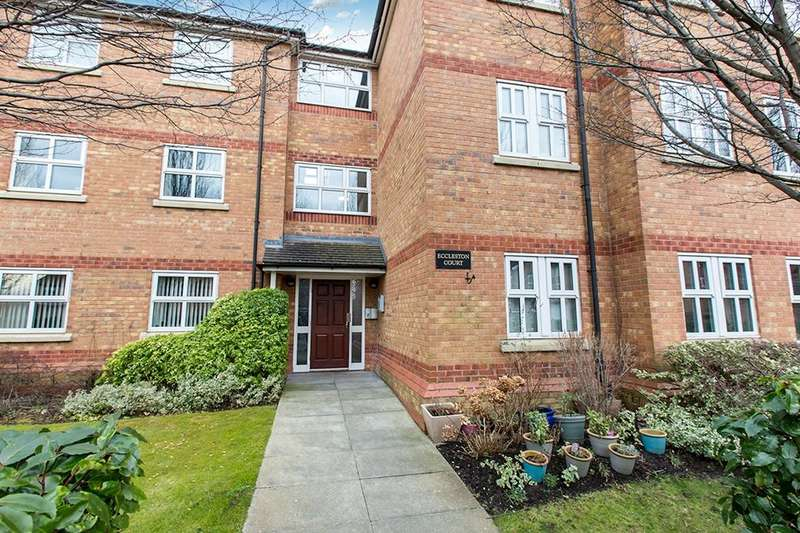 2 Bedrooms Flat for rent in Eccleston Court Harthill Close, Northwich, CW9