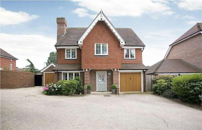 5 Bedrooms Detached House for sale in Goddard Close, Guildford, Surrey
