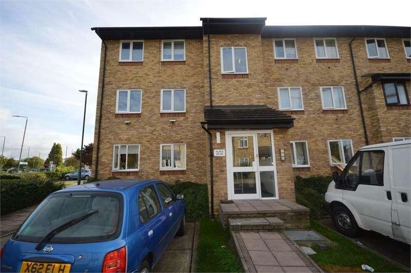 2 Bedrooms Flat for sale in Waterfield Close, Belvedere