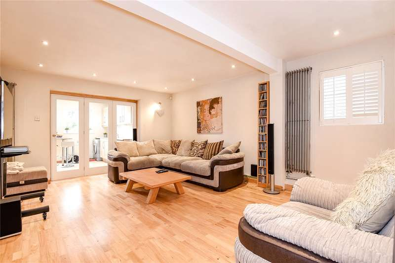 5 Bedrooms Semi Detached House for sale in Wingfield Way, Ruislip, Middlesex, HA4