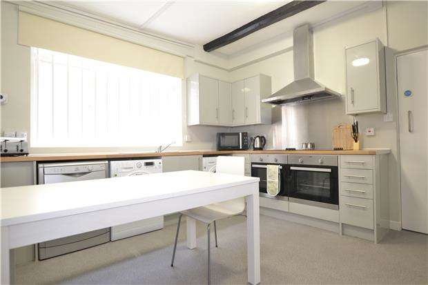 6 Bedrooms Property for rent in a Westgate Street, Gloucester, GL1