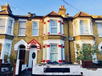 3 Bedrooms Terraced House for sale in Leyton, Waltham Forest, London