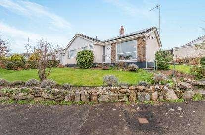 3 Bedrooms Bungalow for sale in Gweek, Helston, Cornwall