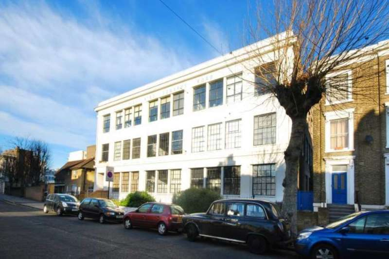 2 Bedrooms Apartment Flat for rent in King Edwards Road, Hackney E9