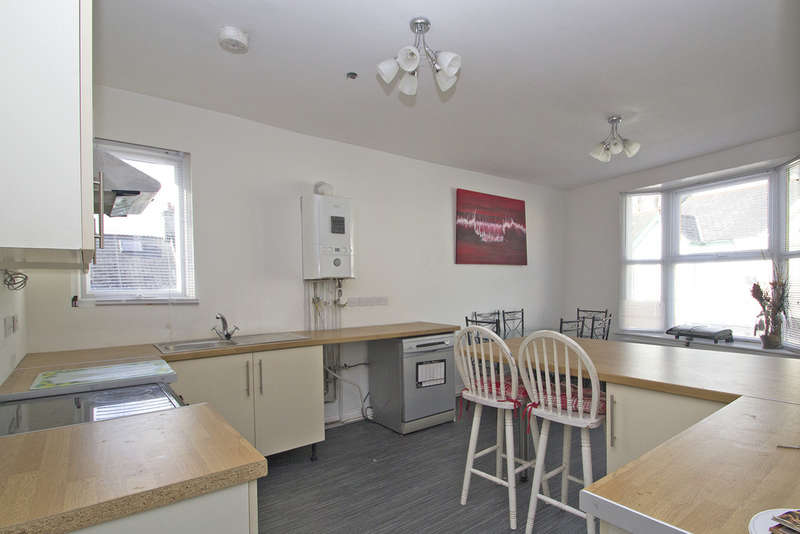 4 Bedrooms Flat for sale in Peverell, Plymouth