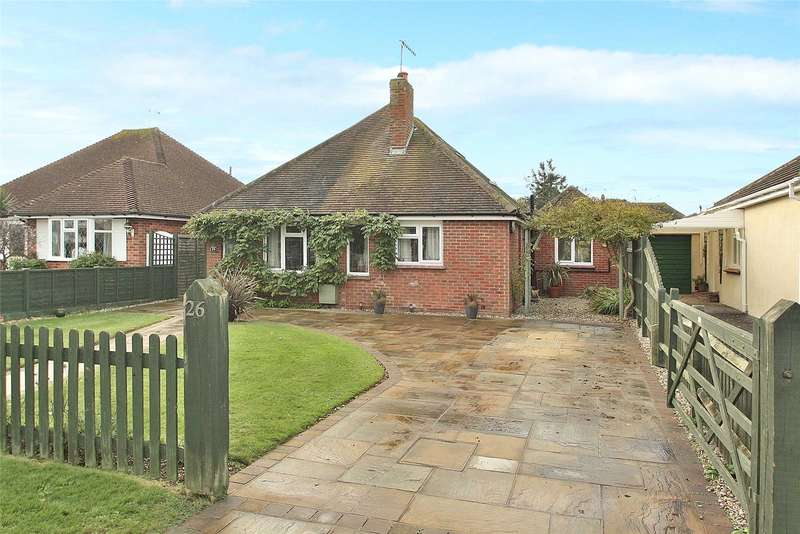 3 Bedrooms Detached Bungalow for sale in Ocean Drive, Ferring, Worthing, BN12