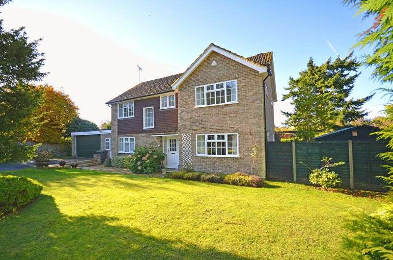 4 Bedrooms Property for sale in Churt Wynde, Hindhead