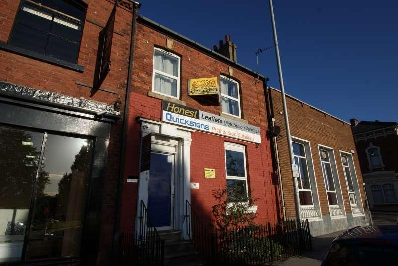 3 Bedrooms Property for rent in Burley Road, Burley, Leeds