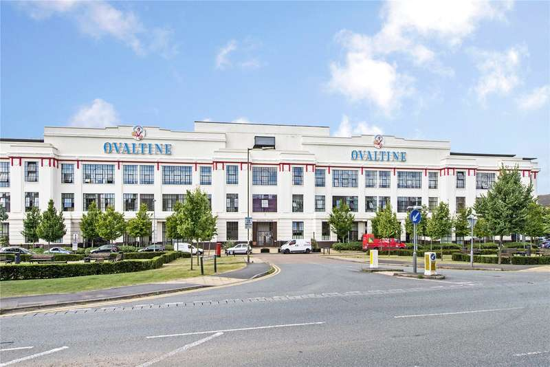 2 Bedrooms Flat for sale in Ovaltine Court, Ovaltine Drive, Kings Langley, Hertfordshire, WD4