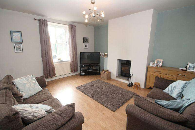 3 Bedrooms Terraced House for sale in Daniel Street, Whitworth OL12 8BX