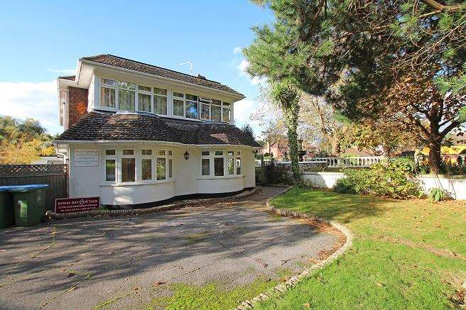 2 Bedrooms Retirement Property for sale in Royal Bay Cottage, Barrack Lane, Adwick PO21