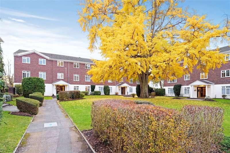 2 Bedrooms Flat for sale in Hillcrest Court, Hillcrest, Weybridge, Surrey, KT13