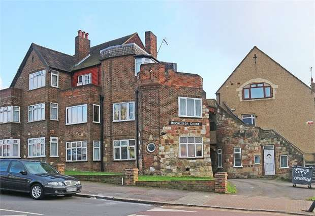 2 Bedrooms Flat for sale in Wakemans Hill Avenue, London
