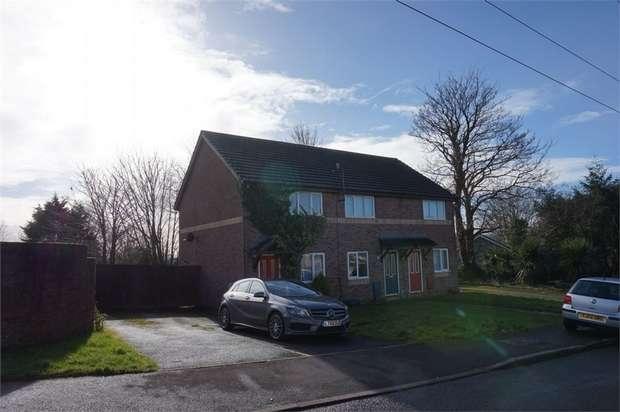 2 Bedrooms Semi Detached House for rent in Clos Y Deri, Dafen, Llanelli, Carmarthenshire