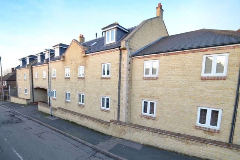2 Bedrooms Flat for sale in Stocks Court, Corby, NN17