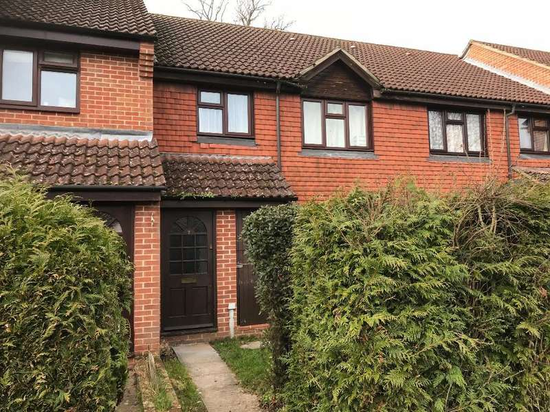 1 Bedroom Apartment Flat for sale in Britten Close, Ash Vale, Hampshire, GU12 6LS