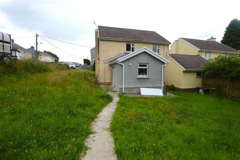 3 Bedrooms Detached House for sale in Brynamman, Ammanford