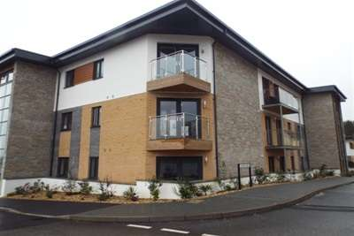 2 Bedrooms Flat for rent in DUPORTH