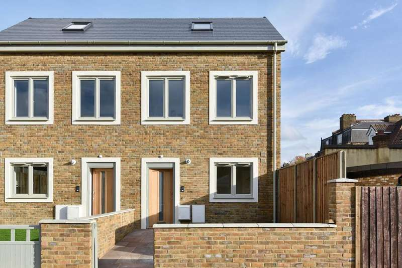 2 Bedrooms Semi Detached House for sale in Park Rise Road, Forest Hill