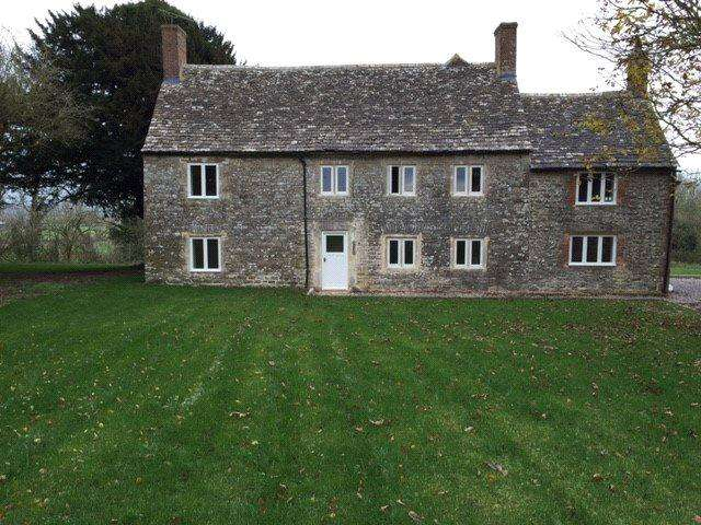 3 Bedrooms Detached House for rent in Upper Widhill Farmhouse, Blunsdon, Swindon, SN26