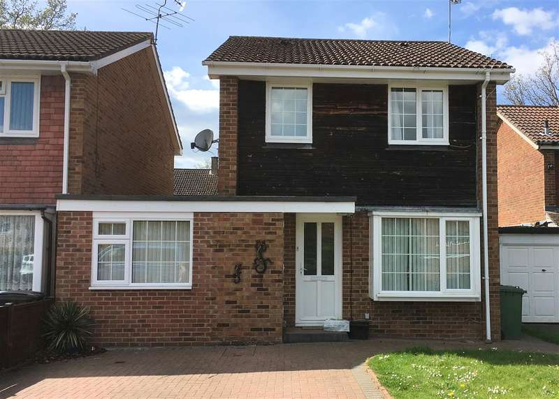 3 Bedrooms Detached House for sale in Alma Road, Bordon